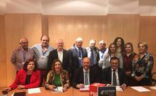 El PSOE apoya en el Congreso la pesca de arrastre y pide la retirada del plan de Bruselas