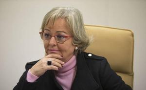 Teresa Porras, sobre las natas de las playas de Málaga: «La espuma del agua es como la del caldo del puchero»