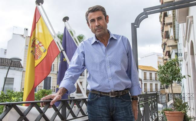 El alcalde de Coín renuncia a las municipales tras 16 años en política