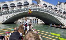 Las jábegas malagueñas por Venecia, en imágenes