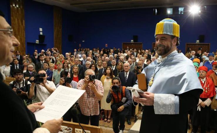 El barítono Cárlos Álvarez, doctor honoris causa de la UMA