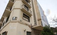 El Ayuntamiento de Málaga exige quitar las obras de Invader, pero mantiene las de sus edificios