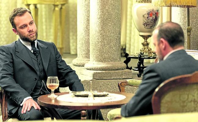 Carlos Serrano vuelve a interpretar al villano de 'El secreto de Puente Viejo': «Fernando va a animar el cotarro»