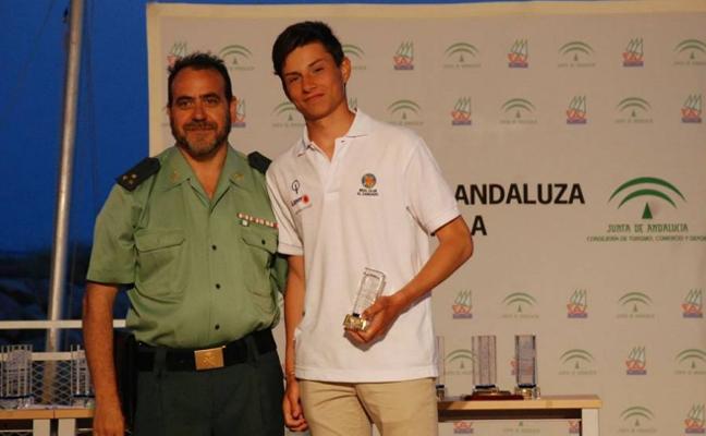 Adolfo Villalón, reconocido por su gran temporada