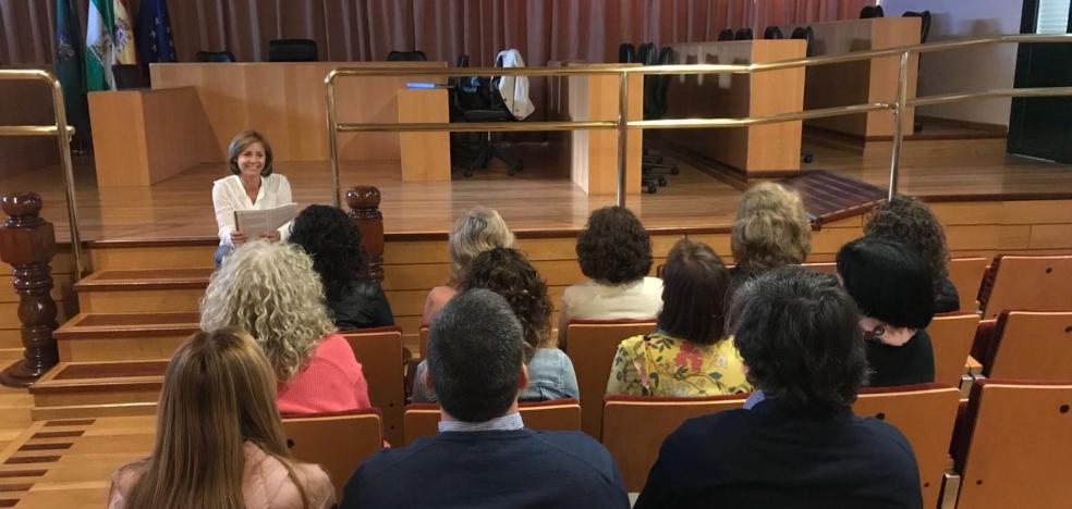 'Mindfulness' para que los funcionarios de Vélez-Málaga estén centrados en el trabajo