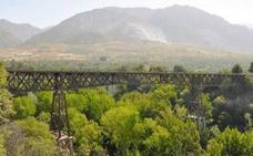 Un joven muere al caer de un puente por hacerse un 'selfie' en Granada