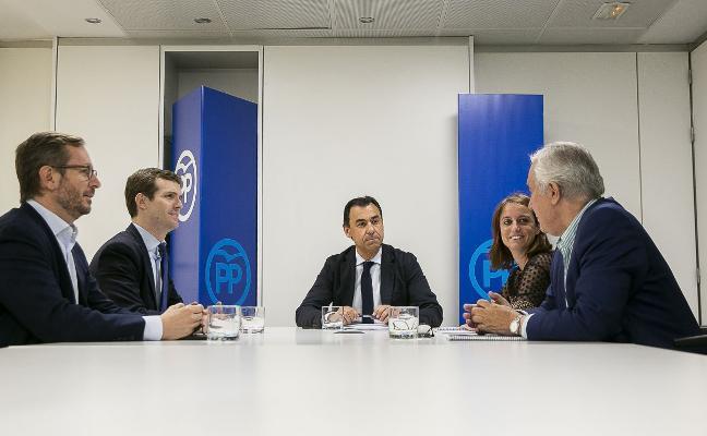 La cúpula del PP cierra sus filas en torno a Rajoy mientras el partido teme por la legislatura