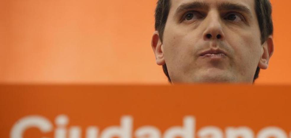 Ciudadanos propuso al PSOE que Solana, Jáuregui o Redondo lideraran la moción