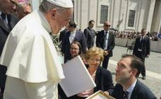 Un cofrade de Estudiantes se entrevista con el Papa Francisco