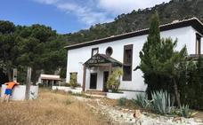 Los alojamientos rurales del parque natural de la Sierra Almijara, cerrados y sin uso