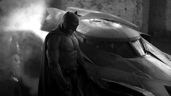 'Batman v Superman' adelanta su estreno