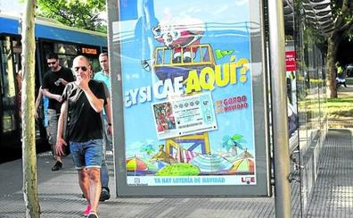 Gana 'kilos' en verano: los loteros venden ya el 'Gordo' de Navidad en los destinos vacacionales