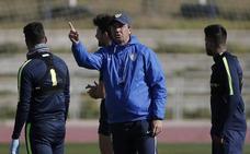 José González, entrenador del Málaga: «Yo he fallado el primero, y a partir de ahí el resto»