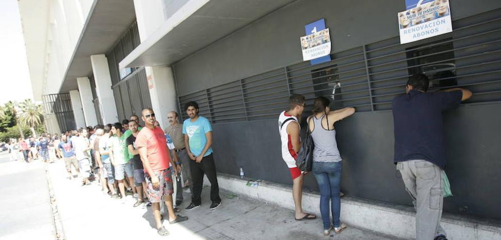 Comienza la venta de abonos del Málaga en las taquillas y también 'on line'