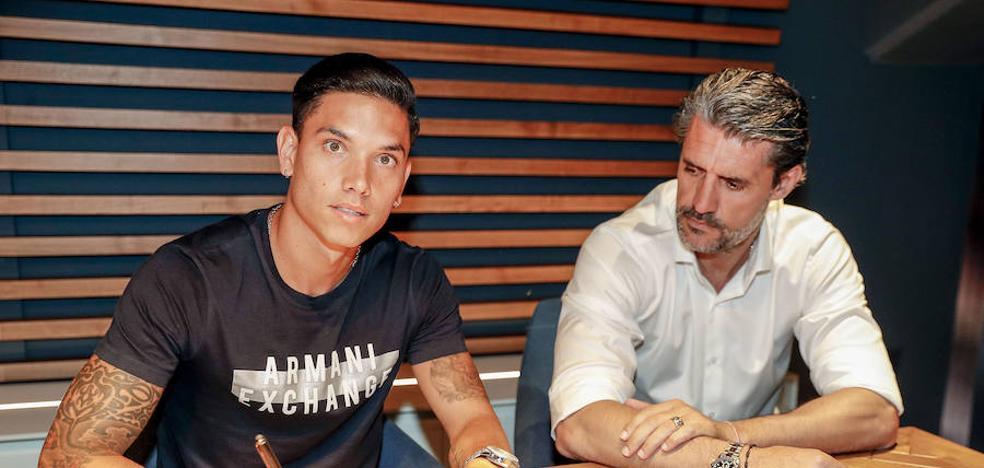 Renato Santos firma y se incorpora hoy