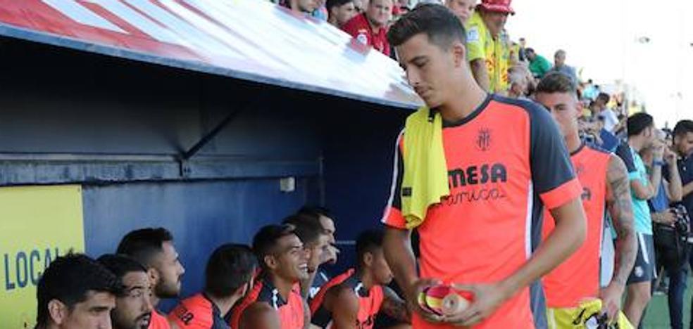 El Málaga cierra la cesión por un año del joven central del Villarreal Pau Torres