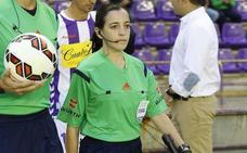 Judit Romano, primera asistente en un partido del Málaga en categoría profesional