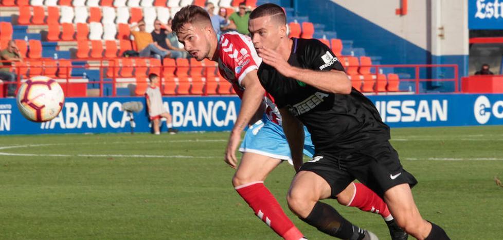 El Málaga logra un triunfo con más claros que oscuros