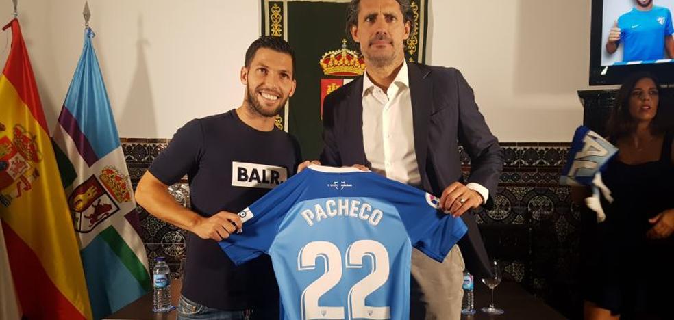 Así ha sido la presentación de Dani Pacheco como nuevo jugador del Málaga