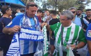 Los aficiones del Málaga y del Córdoba siguen siendo hermanas