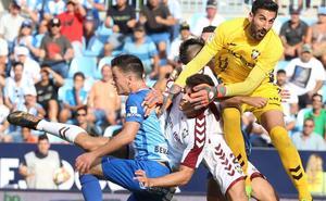 El Málaga se escapa de los 'históricos'