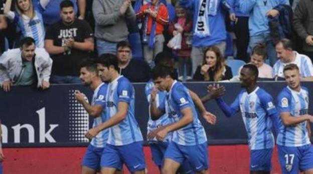 Un Málaga superior e infalible en La Rosaleda (2-0)