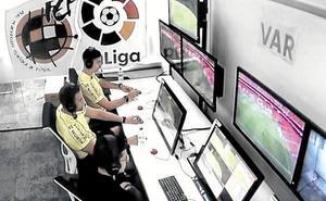 La Federación y LaLiga, a un paso de implantar el VAR ya esta temporada en los 'play-off'