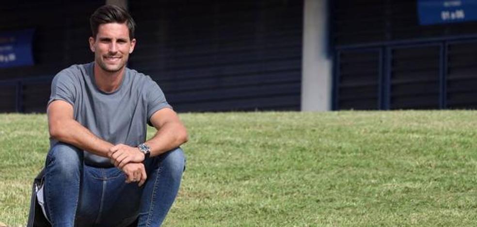 Adrián, capitán malaguista hasta 2021