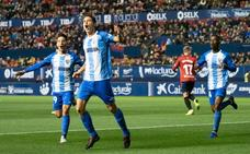El Málaga busca el jaque al líder