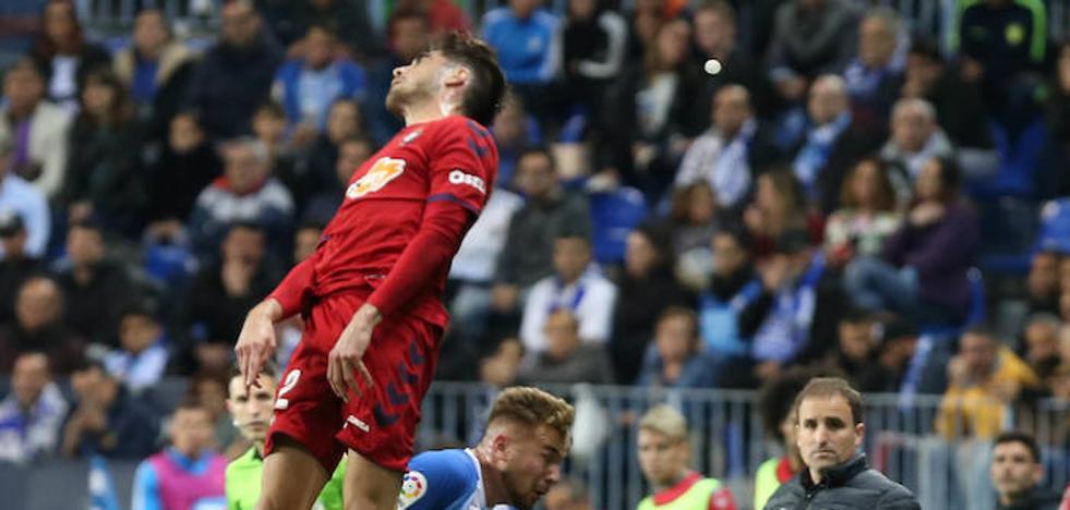 El Málaga se aleja del ascenso directo
