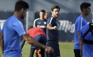 Víctor firma y ya es entrenador del Málaga
