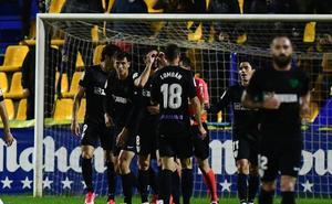 El Málaga se sitúa cuarto y manda un mensaje a sus rivales