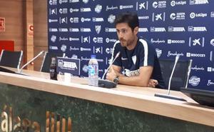 Víctor, entrenador del Málaga: «Hemos crecido mucho en la capacidad para dominar a los rivales y generar ocasiones»