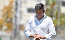 Antonio Contreras se marcha del Málaga