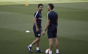 Primera cumbre del Málaga con Víctor para analizar la renovación del entrenador
