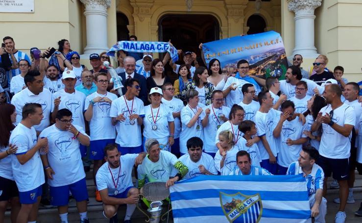 Málaga homenajea a los campeones de la Liga Genuine