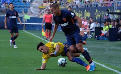 El Málaga sucumbe en un partido de verdad