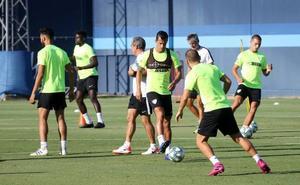 Luis Hernández se entrena ya con el grupo, y Juan Carlos se recupera