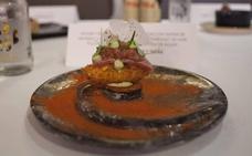 Un niguiri de croqueta líquida de kimchi, ganador del concurso de tapas de Málaga en la Mesa