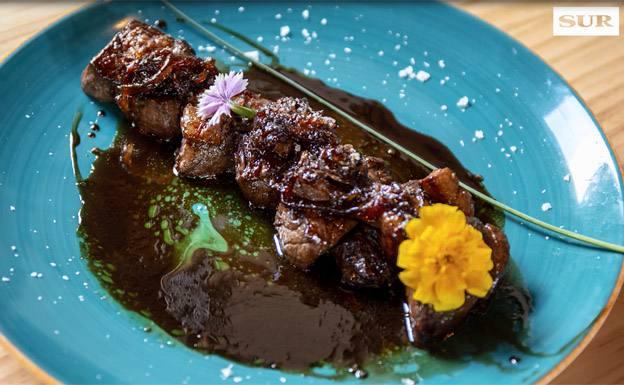 Videoreceta   Solomillo con foie y reducción al oporto del restaurante Ojo Patio