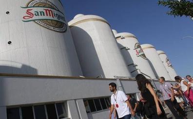 Mahou San Miguel organiza catas experienciales en su centro de producción de Málaga