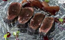 Videoreceta | Lomo de ciervo con pera confitada al vino tinto de Kaleido Málaga Port