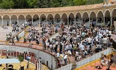 Netflix shoots Red Notice, with 300 movie extras, at Antequera bullring