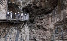 Heat wave forces closure of Caminito del Rey cliff-face walkway