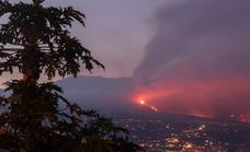 La Palma volcano enters a new phase as lava flows to the sea through 'tunnels'