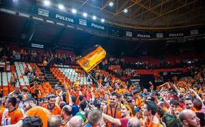 El Unicaja, espectador en primera fila de las celebraciones del Valencia por la Eurocup