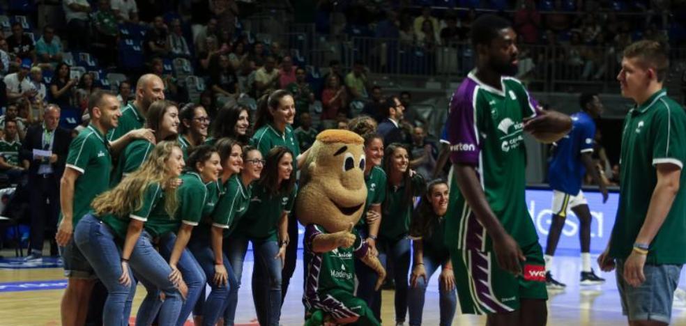El Carpena, en pie por el equipo femenino
