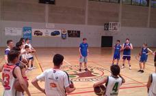 El colegio Los Olivos acoge el campus de baloncesto Asis Sport