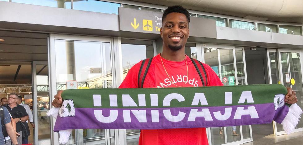 Ejim llega a Málaga para reforzar al Unicaja