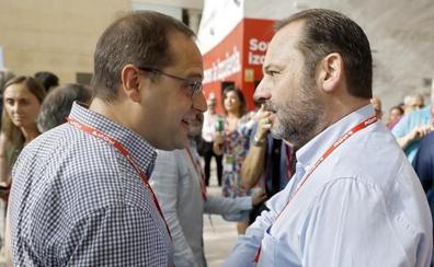 Ábalos, convencido de que el PSOE seguirá «para adelante»